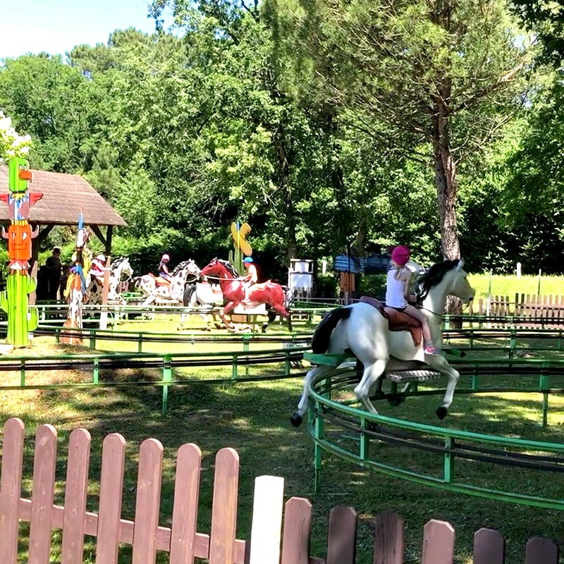 Attraction Lucky Corral