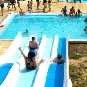 Attraction aquatique toboggan splash