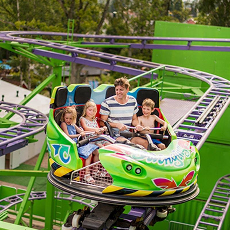 Attraction crazy coaster